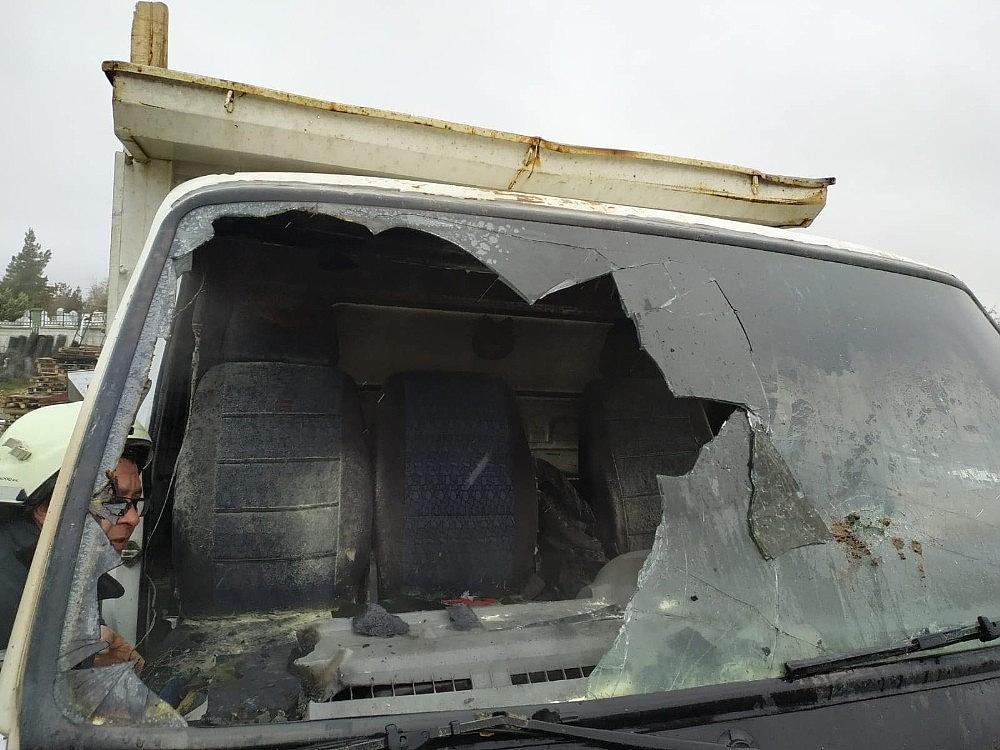 2020/02/karamanda-park-halindeki-kamyonette-yangin-20200213AW93-3.jpg