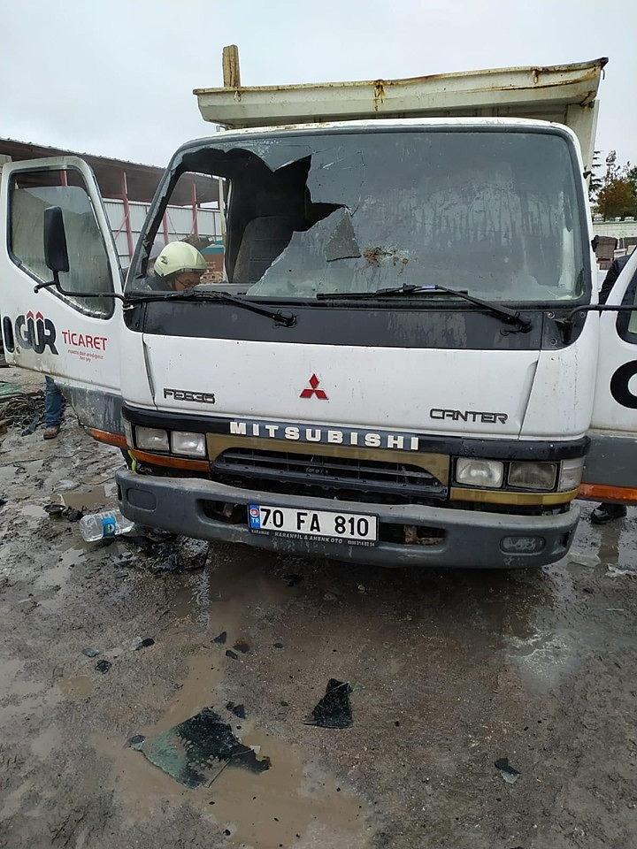 2020/02/karamanda-park-halindeki-kamyonette-yangin-20200213AW93-4.jpg