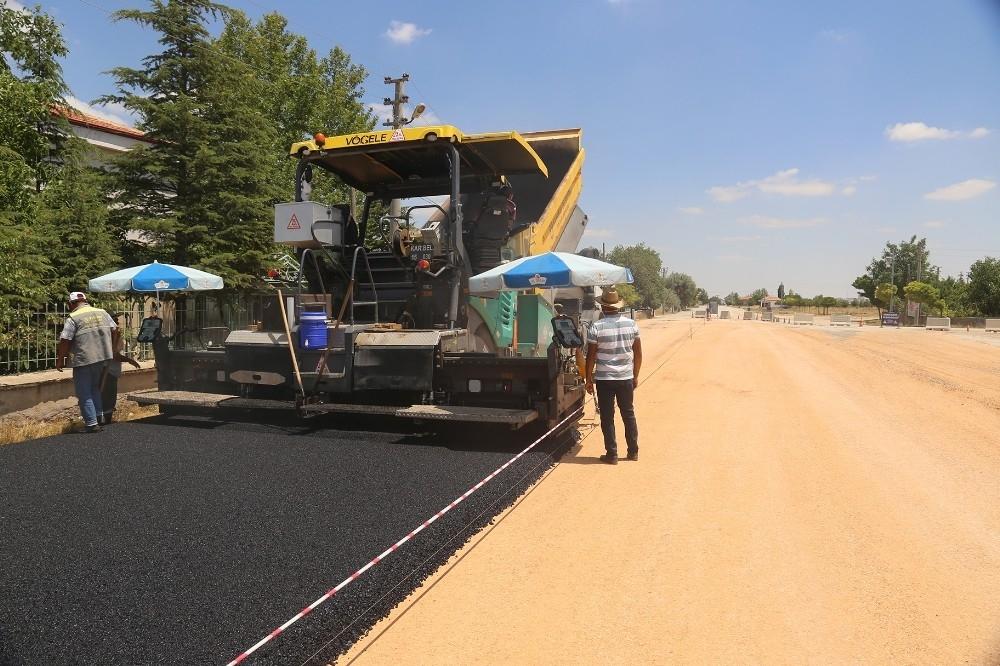 2020/06/karaman-belediyesi-acik-cezaevi-yolunu-asfaltliyor-20200628AW05-1.jpg
