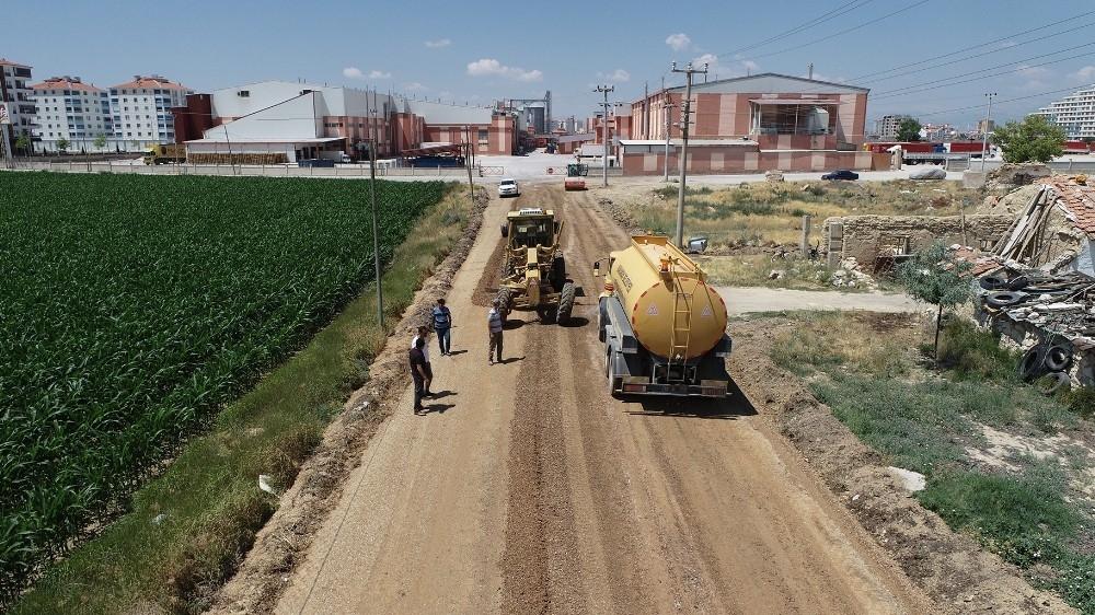 2020/06/karaman-belediyesi-acik-cezaevi-yolunu-asfaltliyor-20200628AW05-3.jpg