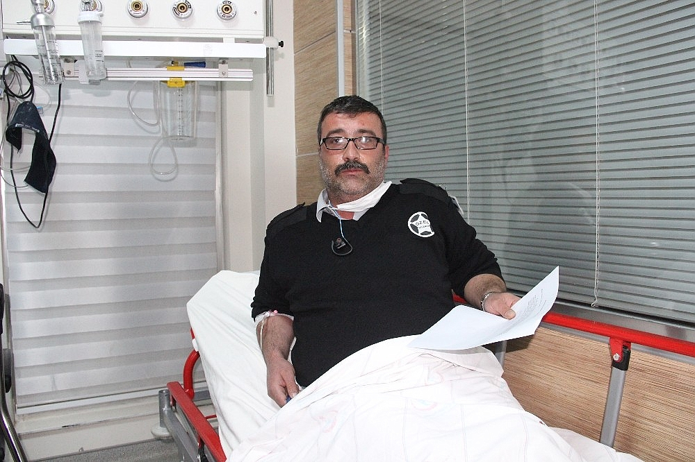 2021/01/hastanede-guvenlik-gorevlisi-bicaklandi-20210119AW22-3.jpg
