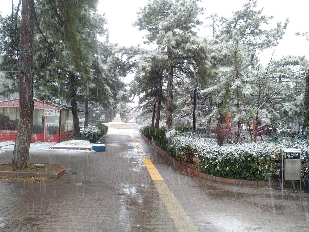 2021/01/konyada-kar-yagisi-sevinci-20210113AW21-3.jpg