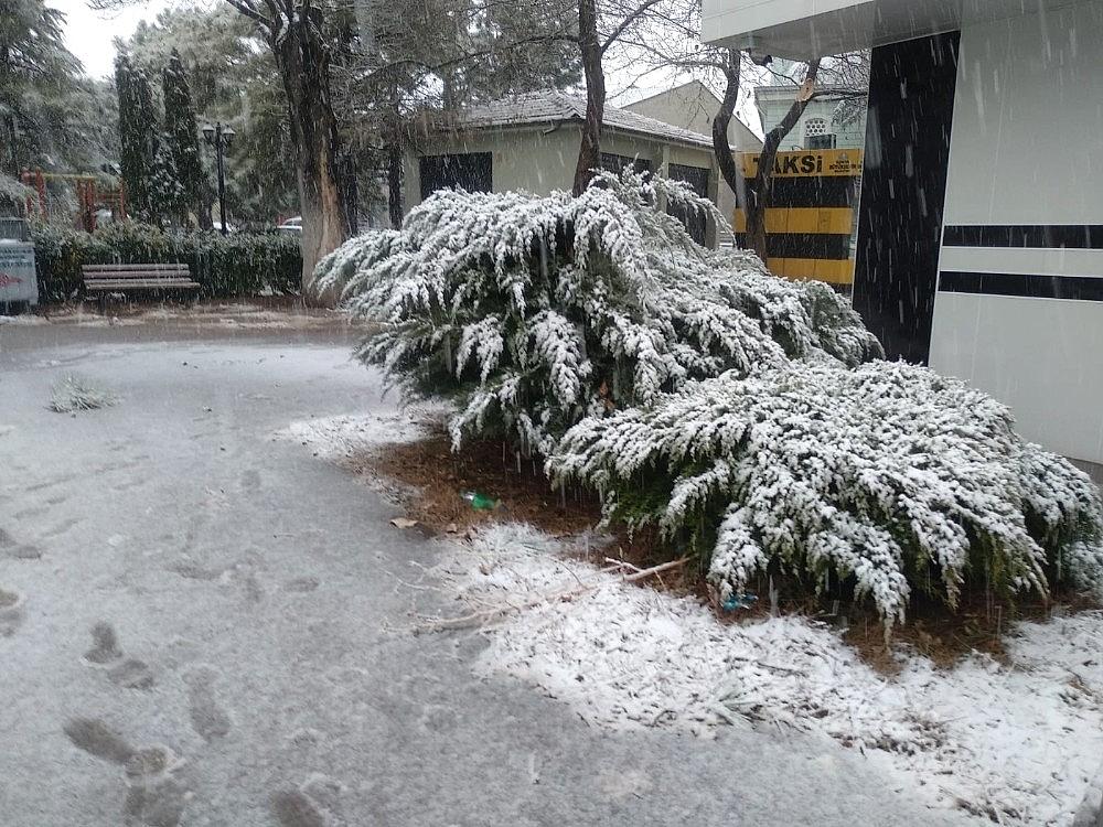 2021/01/konyada-kar-yagisi-sevinci-20210113AW21-4.jpg