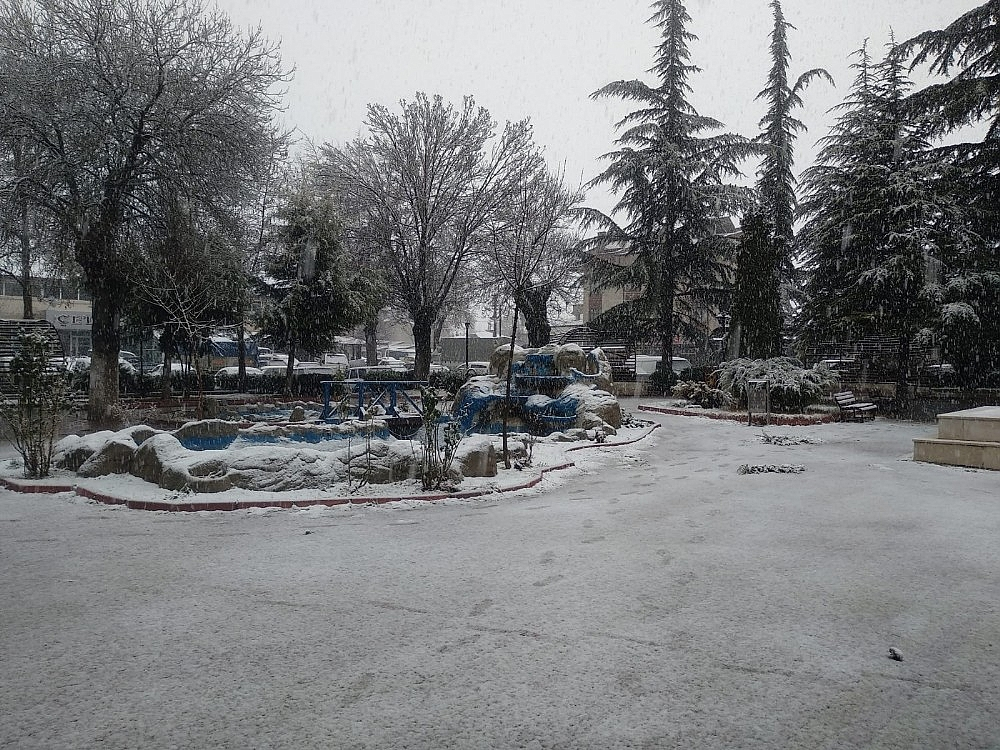 2021/01/konyada-kar-yagisi-sevinci-20210113AW21-5.jpg