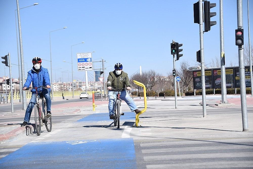 2021/03/bisiklet-sehri-konyada-bisiklet-trafik-isiklarinin-sayisi-artiriliyor-20210301AW25-2.jpg