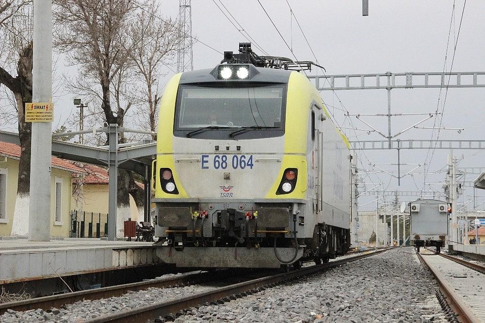 2021/03/konya-karaman-yuksek-hizli-tren-hattinda-test-surusleri-devam-ediyor-20210302AW25-2.jpg