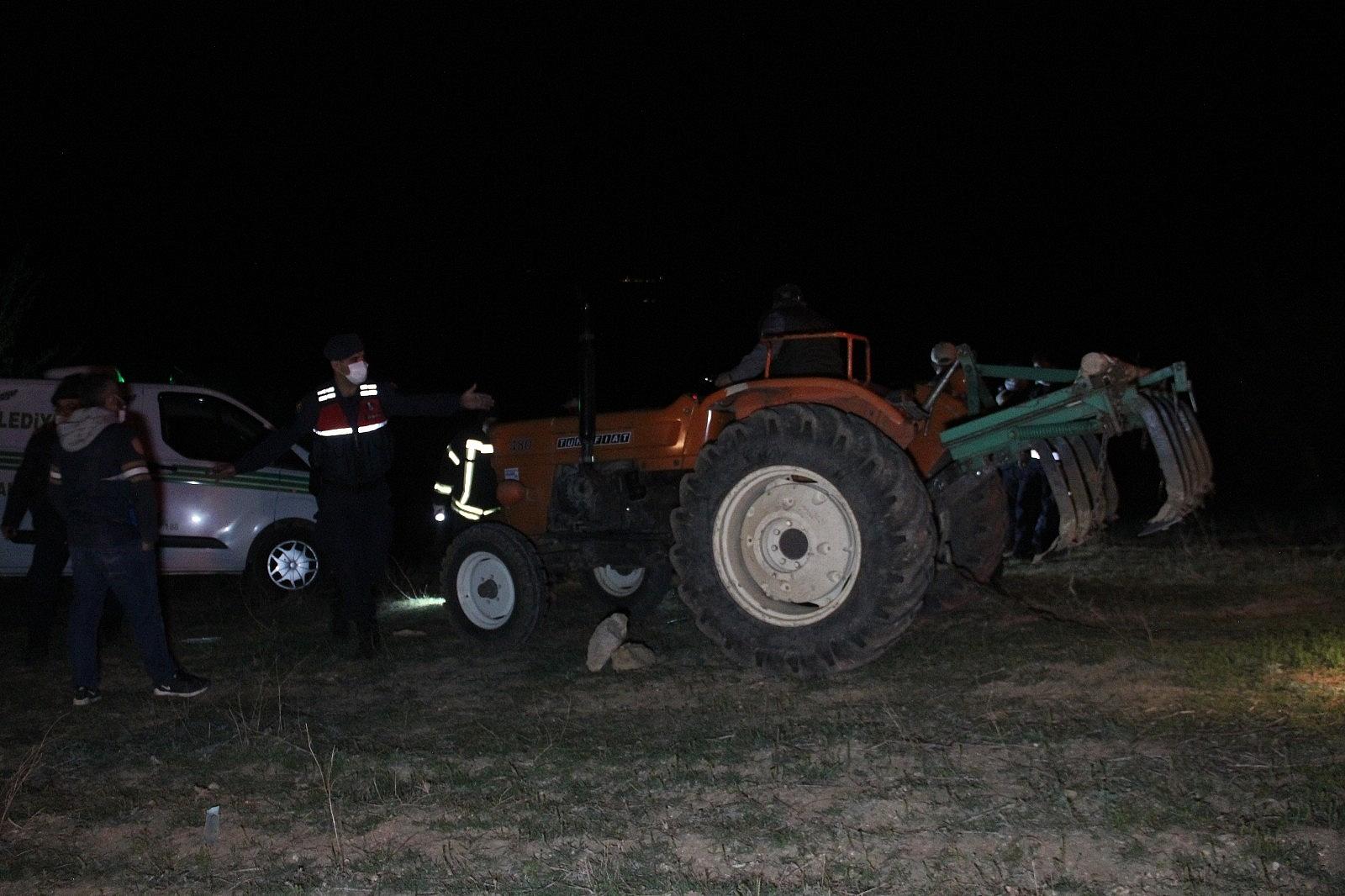 2021/04/karamanda-traktorun-altinda-kalan-ciftci-hayatini-kaybetti-20210421AW30-8.jpg