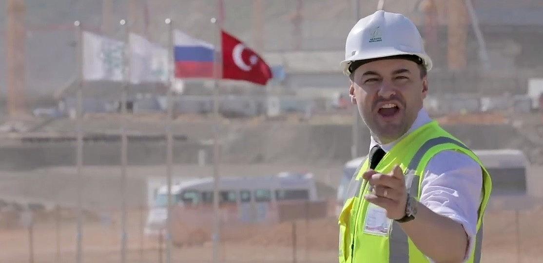 2021/05/akkuyu-ngs-calisanlari-rusca-sarkiya-klip-cekip-turkiyeye-armagan-etti-20210509AW31-2.jpg