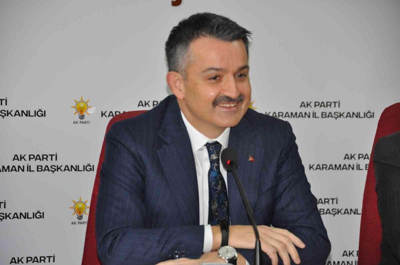 2021/10/bakan-pakdemirli-2023-bana-gore-turkiyenin-en-onemli-secimlerinden-biridir-20211008AW43-2.jpg