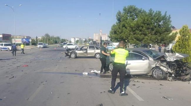 Mumlu Kavşakta yine kaza 2 Yaralı