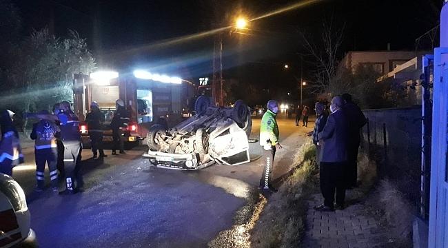 Adana'da Ehliyetsiz sürücü araçla takla attı