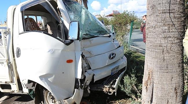 Otomobilin arkadan çarptığı kamyonetin sürücüsü hayatını kaybetti